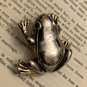 Vintage Two Tone Rhinestone Eyes Frog Brooch
